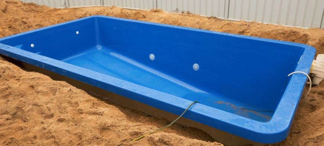 Pros and Cons of Fiberglass Inground Swimming Pools
